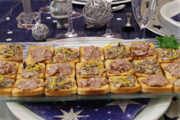 toasts-terrine-d-escargots-et-terrine-de-lievre-au-banyuls-cassolettes-d-escargots-aux-cepes-1886.640x480
